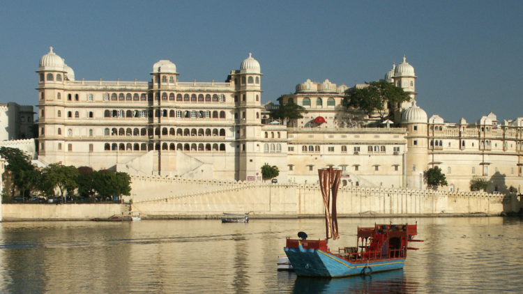 Top 8 place to visit in and around udaipur
